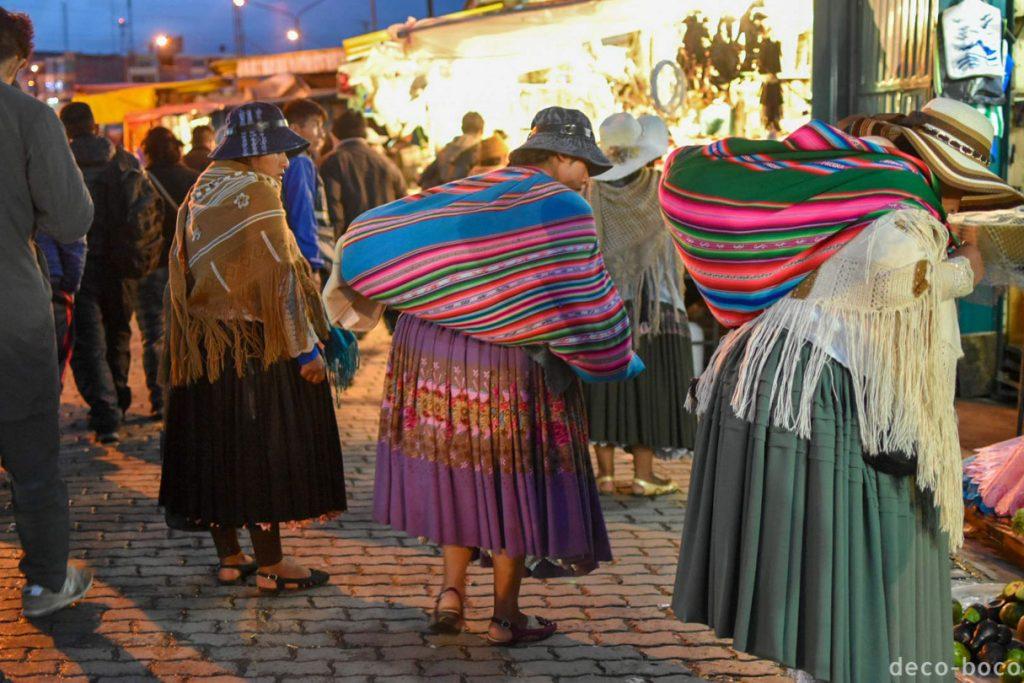 ラパス 先住民の女性達 チョリータ